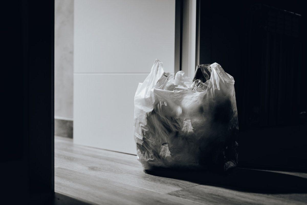 Large Quantities of Scrap Gold Thrown Away in Rubbish